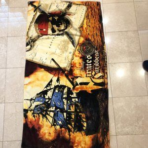 Disney Pirates of the Caribbean Bath/Beach Towel